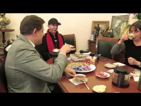 KRYMNASH: Учитесь говорить по-русски с М. Алмондом и Е. Понасенковым   «Россия для всех»