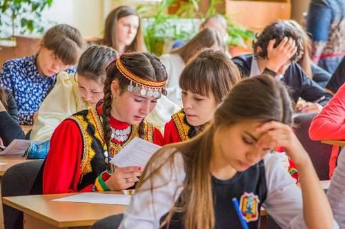 О дополнении в Конституцию Российской Федерации положения о русском языке | «Россия для всех»